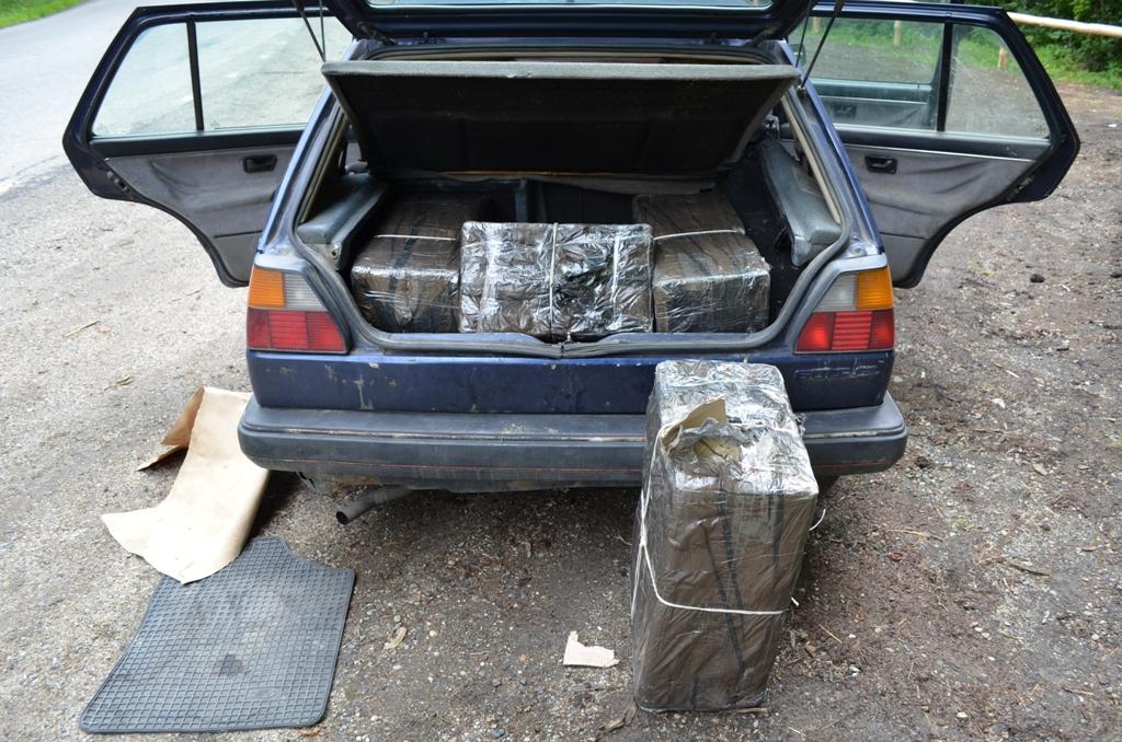 Contrabandă cu mașina în Vișeu de Jos