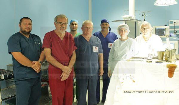 NEUROCHIRURGIE: Un sfert de secol, doi medici, 12.000 de operaţii (VIDEO-Galerie FOTO)