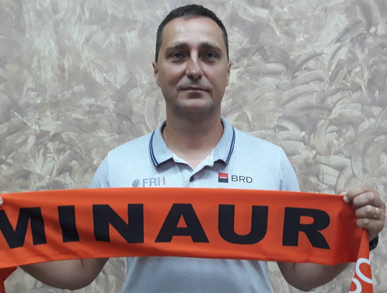 Raul Fotonea îl înlocuiește pe Costică Buceschi în funcția de antrenor al echipei CS Minaur